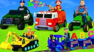 Kinder spielen und lernen mit Bagger, Feuerwehrautos, Zügen & Spielzeugautos