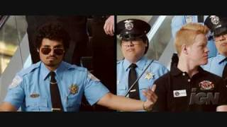 Observe and Report Trailer Image