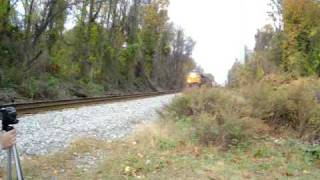 preview picture of video 'Westbound CSX Manifest at Glenolden, PA'