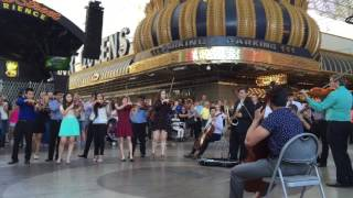 A Surprise Flash Mob Wedding Proposal With An Orchestra & Dancers In Vegas.  So Cool!