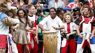 Aksi Meriah Ronaldinho saat Memukau Para Penonton Piala Dunia 2018
