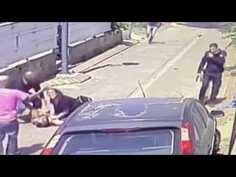 Полицейский расстрелял израильтянина, ранившего его ножом. Видео