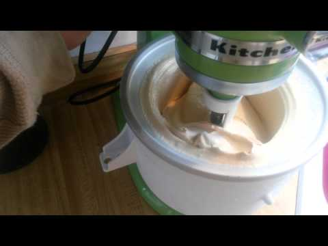 Video KitchenAid mixer vanilla ice cream