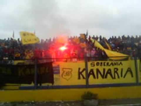 """""""ULTRA KANARIA (inicios)"""" Barra: Ultra Kanaria • Club: San Luis de Quillota"""