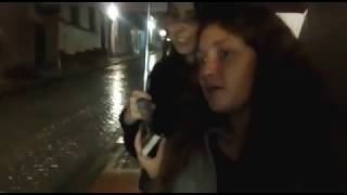 Interviewing to a foreigner under the rain