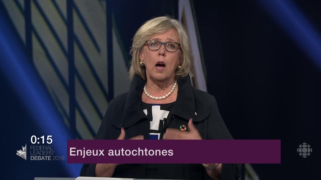 Elizabeth May répond à la question d'un citoyen sur la réconciliation avec les Autochtones