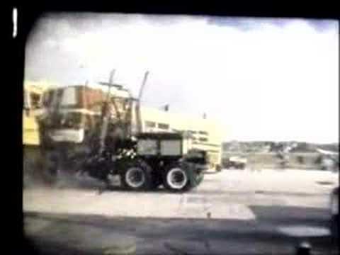 Crash test autobusy i ciężarówki