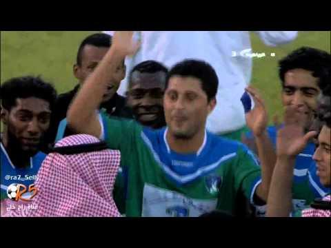 فرحة لاعبي الشعلة بعد إعلان مكافأة الفوز على نجران
