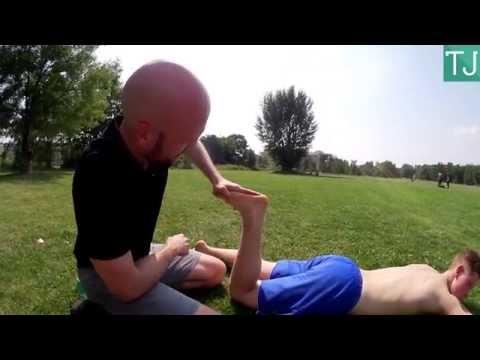 Warum Rückenschmerzen im unteren Rücken beim Sitzen
