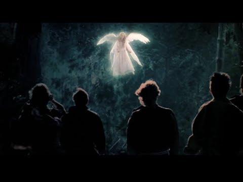 受傷天使誤入人間,人類卻利用她賺錢,天使生氣了!