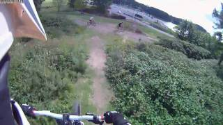 preview picture of video 'Descenso DH MTB en Tandil Camara Onboard DRIFT Innovation HD170 Stealth'