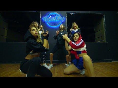 Chris Brown - Kiss Kiss Feat.T Pain / Twincity Studio