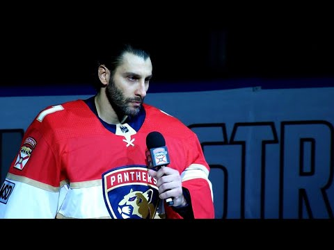 Panthers hold emotional pre-game ceremony honouring Parkland shooting victims