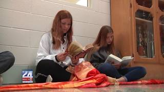 Alexandria High School Participates in Freedom to Read March