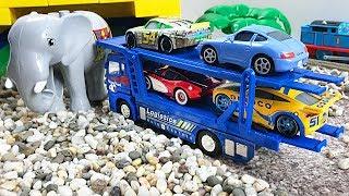 Cars 3 Transporter - Trains City Road Builder Excavator - Farm animals Kids Learning