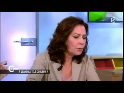 """Mémona Hintermann : A quand la télé """"couleur"""" ?"""
