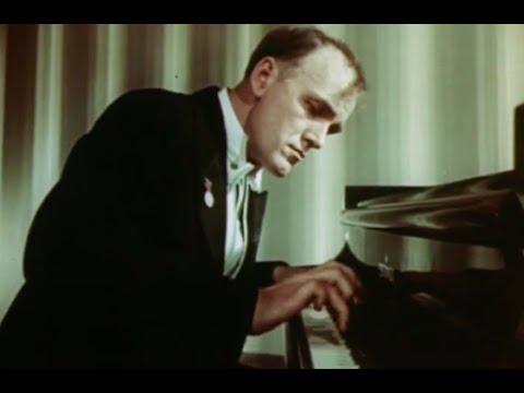 Sviatoslav Richter plays Chopin Scherzo no. 2, op. 31 - video 1953