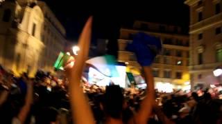 preview picture of video 'EURO 2012 - Italia Inghilterra - Il boato di Piazza San Silvestro al rigore della vittoria!'