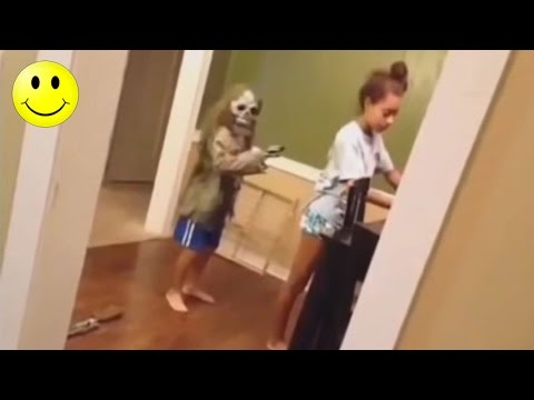 Ultimate Funny Scared Reactions   People Got Scared Funny Videos - WM
