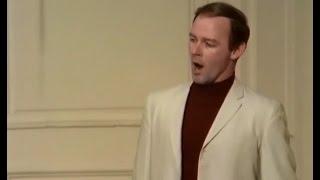 John Reardon sings