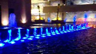 preview picture of video 'افتتاح نافورة الافنيوز في الكويت - مجمع الافنيوز'