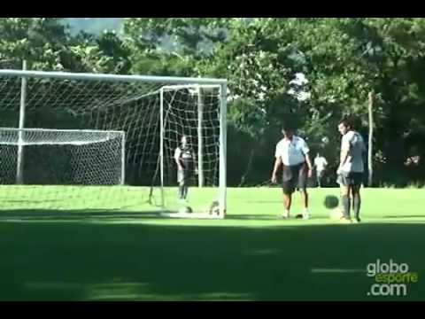 Ronaldinho amazing curve!!!