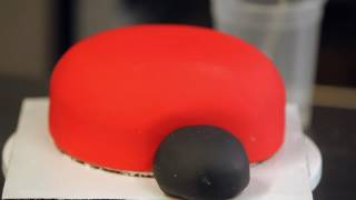 How To Create The Face For Ladybug Cake | Birthday Cakes