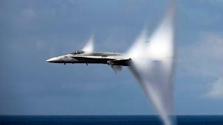 Смотреть онлайн Истребитель F/A-18 превысил скорость звука