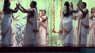 Asissi Vidyaniketan Onam 2013 Teachers Thiruvathira Dance