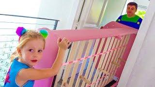 Настя и её новая комната принцессы