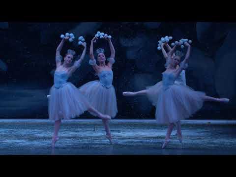 George Balanchine's The Nutcracker – Waltz of the Snowflakes