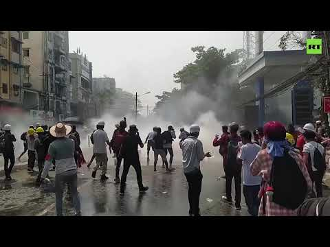 Myanmar unrest | Standoff between protesters and police continues in Yangon