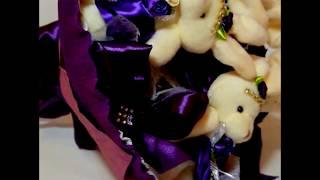Букет из игрушек  5 зайцев от компании Букеты из Игрушек и Конфет от Okl Оригинальные Подарки - видео