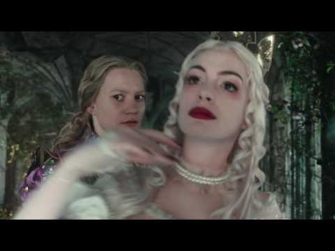 Alice Through the Looking Glass (Clip 'The Chronosphere')