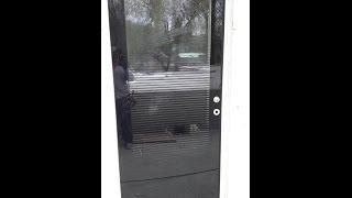Установка входной двери в частном доме. Описание шведской двери. Плюсы и минусы.
