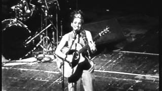 Ani DiFranco - Buildings And Bridges (Live 1996)