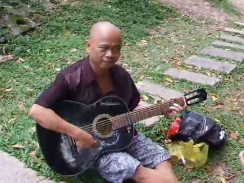 huyền thoại nhạc chế Tùng Chùa đã trở lại, tuổi thơ của tôi