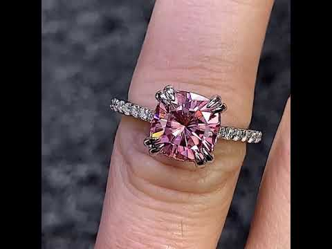 ENG949B with pink moissanite