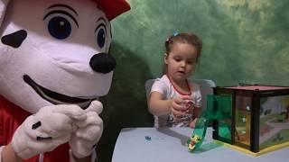Маршал и Мария собирают дом Литлест Пет Шоп Распаковка 1 часть видео для детей Littlest Pet Shop