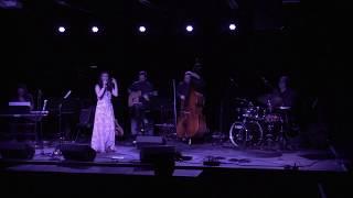 Suzi Silva - So tinha de ser com voce (Tom Jobim) (extrait)