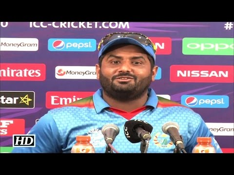 Mohammad Shahzad Makes Fun Of Dale Steyn Bowling