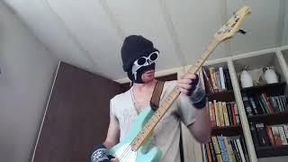 "MF DOOM - ""Crosshairs"" bass groove"