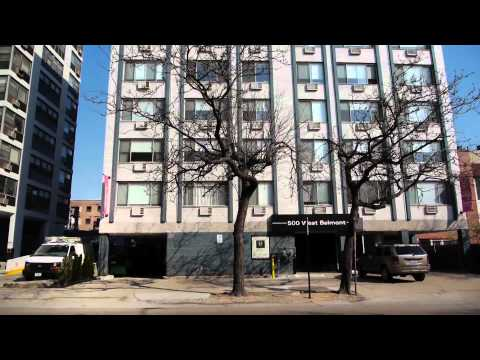 Large, updated apartments in Lakeview East
