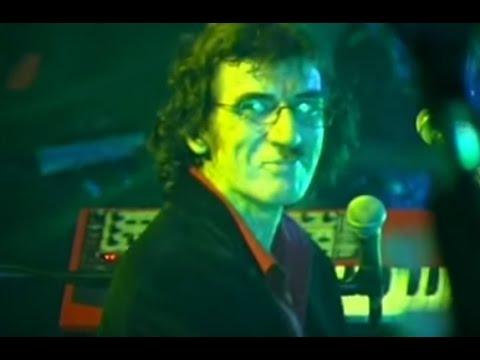 Charly García video Pasajera en trance - Roxy - Mar del Plata 2002