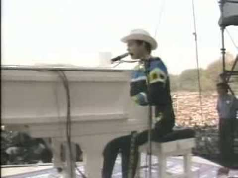 Elton John - Goodbye Yellow Brick Road (Central Park 1980)