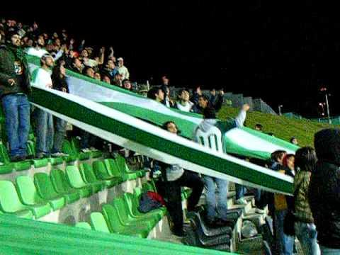 """""""LOS DEL SUR PUERTO MONTT EN EL CHINQUIHUE"""" Barra: Los del Sur • Club: Deportes Puerto Montt"""
