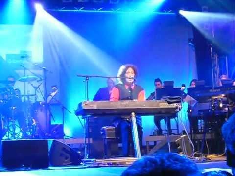 Gilbert O'Sullivan - Alone Again (Naturally) Live in Germany 27/07/2011