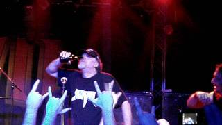 Mad Dog takes a nasal swig of Bud at the Anvil concert