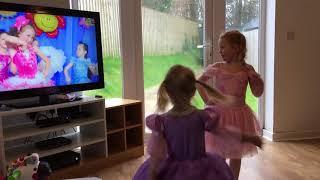 Maisey & Hattie dancing to Sunt Chic