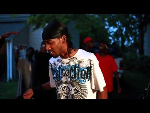 Arsonist Asian song    What'cha watching me foe.   Hood video 2012